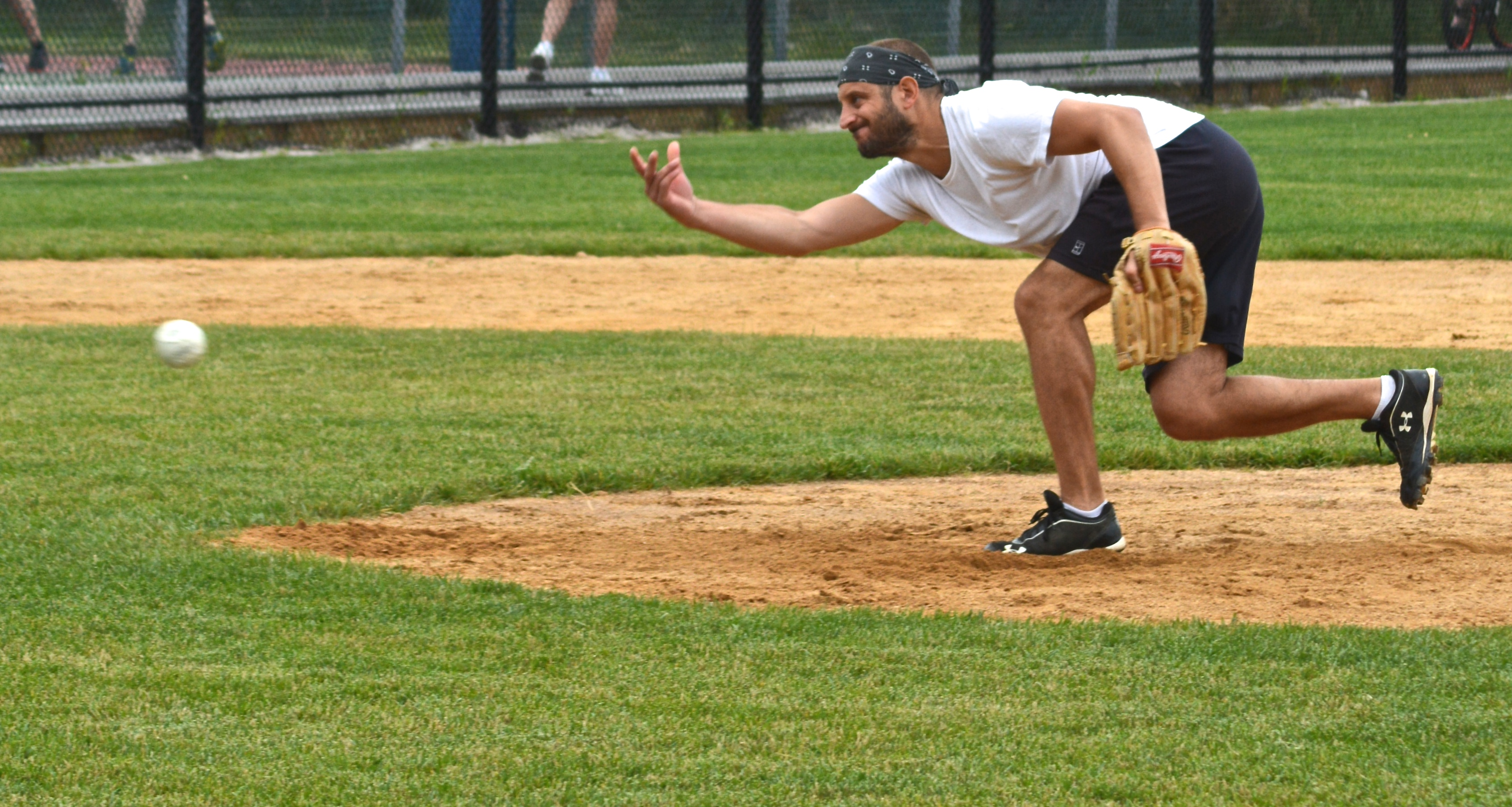 Rich Perna pitching